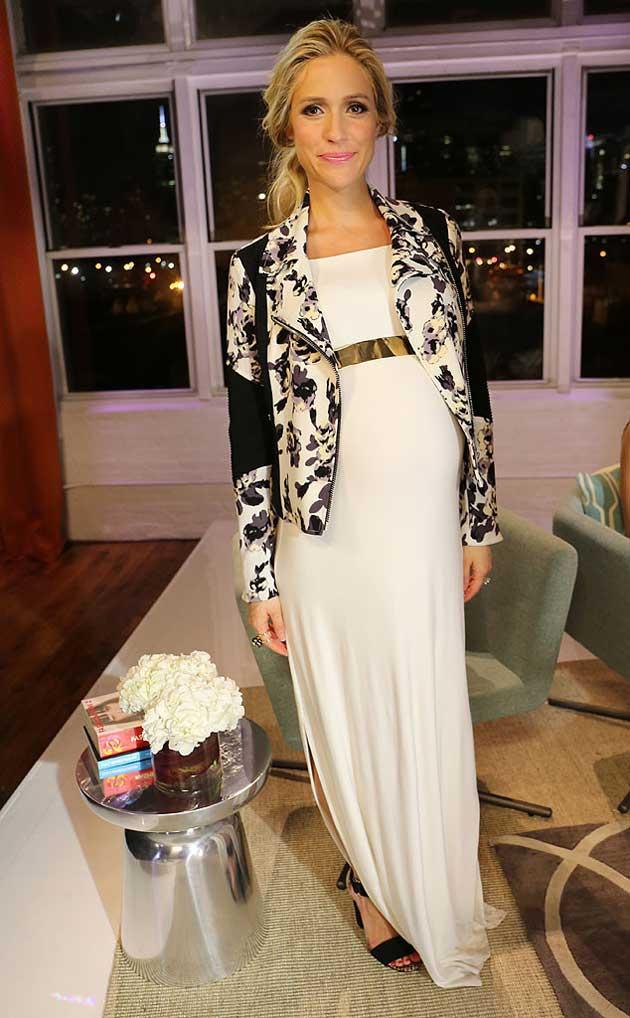 vestido acinturado look preto Kristin Cavallari